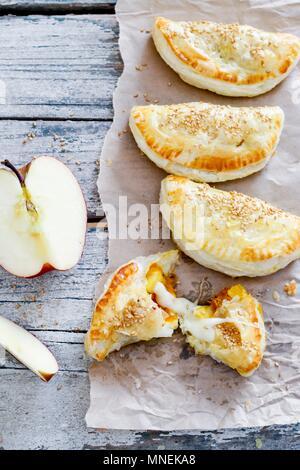 Apple und Käse Umsätze - Stockfoto