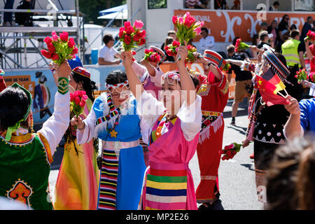 Berlin, Deutschland - Mai 20: die Menschen feiern Karneval der Kulturen (Karneval der Kulturen), Berlin, Deutschland - Stockfoto