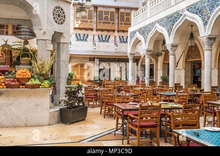 Der souk Restaurant in der Wafi Shopping Center, Dubai, Vereinigte Arabische Emirate, Naher Osten. - Stockfoto