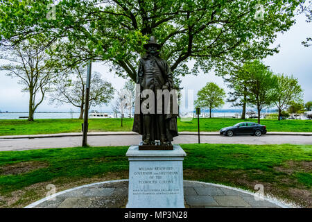 Die William Bradford Memorial in Plymouth, MA. William Bradford war der erste Gouverneur und Historiker der Plymouth Kolonie. - Stockfoto