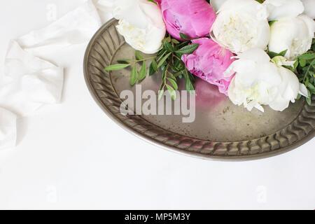 Hochzeit im Stil der Foto. Stillleben mit Rosen und Baby\'s Atem ...