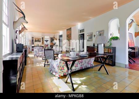 Ernest Hemingway's Home Finca Vigia, das Wohnzimmer, San Francisco de Paula, Kuba - Stockfoto