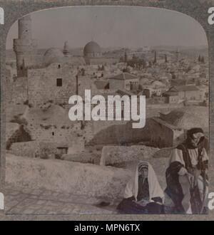 """""""Jerusalem von der Schule über die Moschee, Turm von Antonio', c 1900. Artist: Unbekannt. - Stockfoto"""