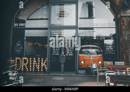Archie\'s - Bar & Küche, Granary Wharf, Leeds Stockfoto, Bild ...