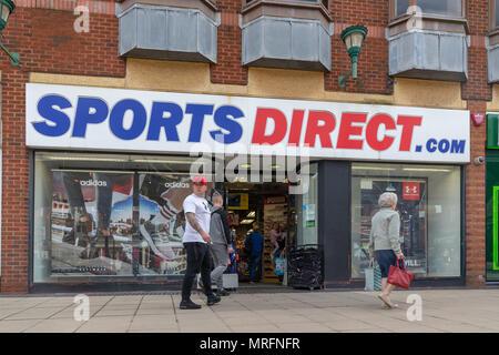 12. Mai 2018 - Sport Direkt Shop in der Alten Fischmarkt Bereich Warrington Town Centre, neben dem Golden Square, Cheshire, England, Großbritannien - Stockfoto