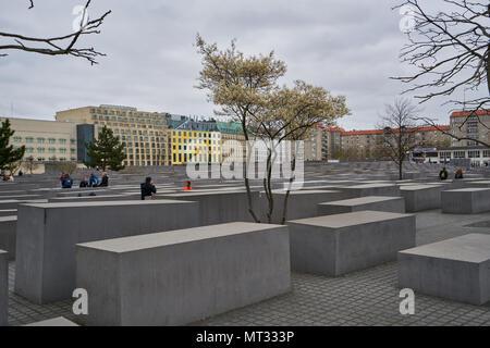 Berlin, Deutschland - 3. April 2017: Denkmal für die ermordeten Juden Europas in Berlin - Stockfoto