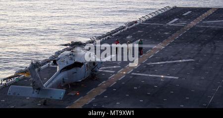 Meer 11 Marz 2018 Einem Mh 60s Sea Hawk Pilot Zu Hubschrauber