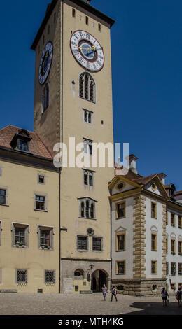 aufragenden mittelalterliche Haus Stockfoto, Bild: 9808288 ...