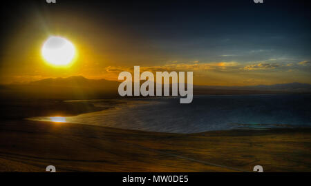 Panorama der Song Kul See beim Sonnenuntergang, Kirgisistan - Stockfoto