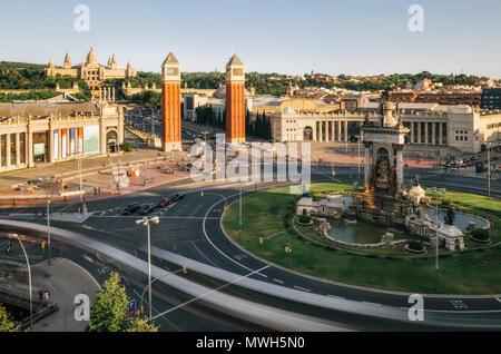 Luftaufnahme Spanien Square am Abend in Barcelona, Spanien. Lange Exposition am Nachmittag. - Stockfoto