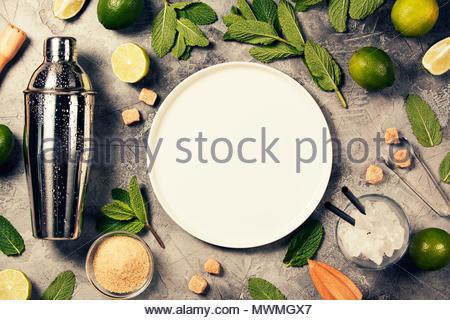 Mojito cocktail Zutaten auf rustikalen Hintergrund - Stockfoto