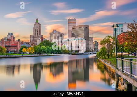 Providence, Rhode Island, USA downtown Stadtbild gesehen von oben die Vorsehung River. - Stockfoto