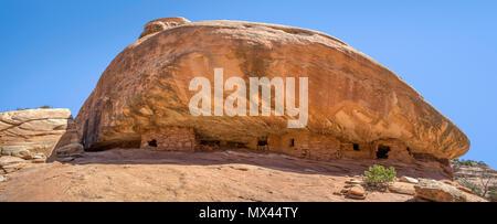 Alten Ancestral Puebloan historischen Strukturen im Haus in Brand Website in Mule Canyon, südöstliche Utah, USA - Stockfoto