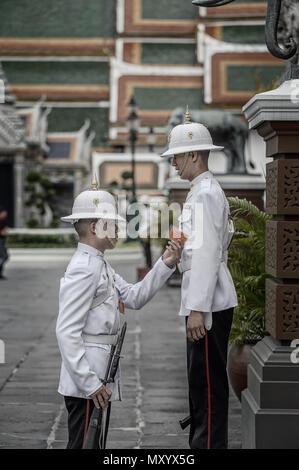 Schutzvorrichtungen an den königlichen Palast, Bangkok, Thailand - Stockfoto