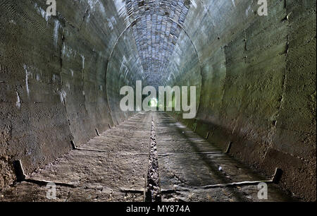 Dungeon, alte Tunnel. - Stockfoto