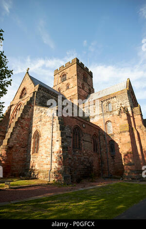 Die Kathedrale der heiligen und ungeteilten Dreifaltigkeit als Carlisle Cathedral Carlisle Cumbria England UK bekannt - Stockfoto