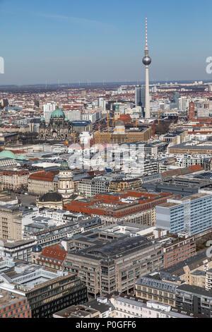 Blick über Berlin-Mitte, im Nordosten, Berliner Dom, Fernsehturm, Deutschland - Stockfoto
