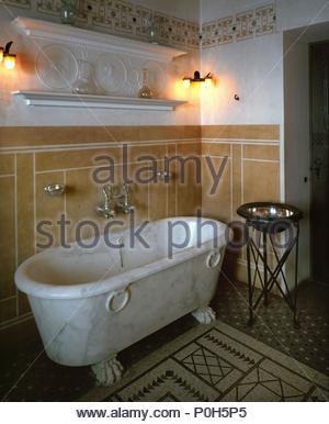 Gast Bad Mit Marmorbadewanne Im Villa Kerylos, Modell Eines Griechischen  Villa Um 450 V.