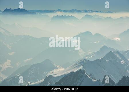 Schöne Aussicht auf die Schweizer Alpen von Santis peak - Stockfoto