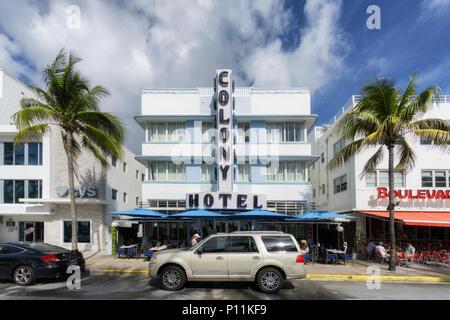 MIAMI BEACH, Florida - 9. JUNI 2018: Die berühmten Art déco-Viertel von Ocean Drive in South Beach, The Colony Hotel. Miami, USA - Stockfoto