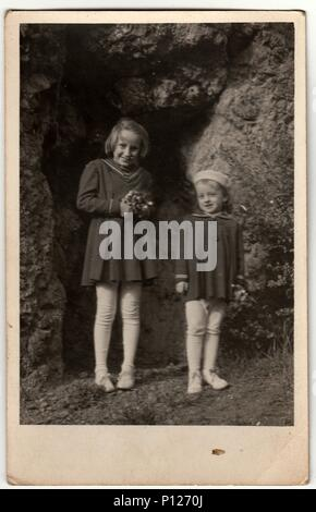1950er Jahre Historische Bild Eine Gl 252 Ckliche Kleine