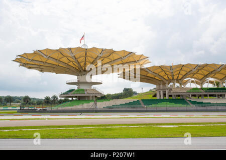 Sepang/Malaysia - Dezember 5, 2014: Der Asian Le Mans Series Rennen auf dem Sepang International Circuit. - Stockfoto
