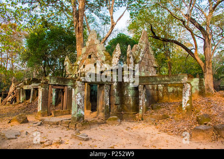 Ruinen des antiken Komplexes Koh Ker, Kambodscha - Stockfoto