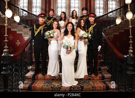 Eine Gruppe Von Elf Prinz Harry Und Meghan Markle Lookalikes Nehmen