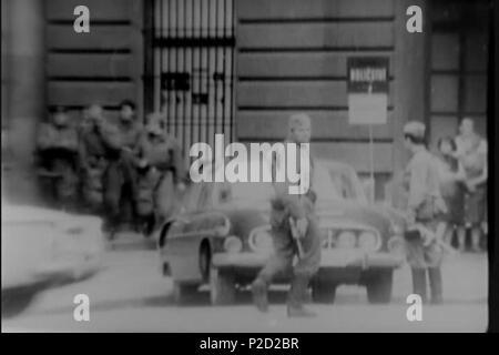 . ? Eština: Sov?tské okupa? ní síly. 27. August 1968 National Archives (archive.org) 1 (srpen 68) Soveti na ulici - Stockfoto