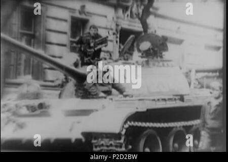 . ? Eština: Sov?tské okupa? ní tankové síly Englisch: sowjetischer Panzer Crew. 27. August 1968 National Archives (archive.org) 1 (srpen 68) Sovetska tankova posadka - Stockfoto