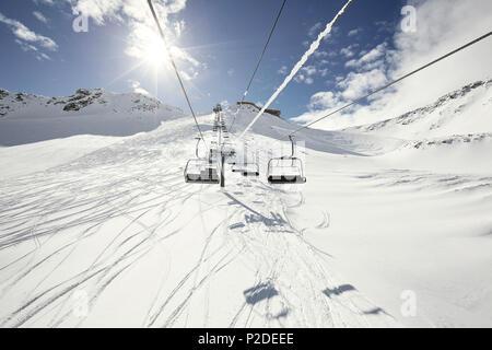 Sessellift und Powder Skigebiet Schnalstaler Gletscher, Südtirol, Italien