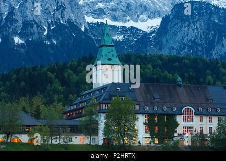 deutschland oberbayern mittenwald elmau alm alp ziegen bayern werdenfels berge berg. Black Bedroom Furniture Sets. Home Design Ideas