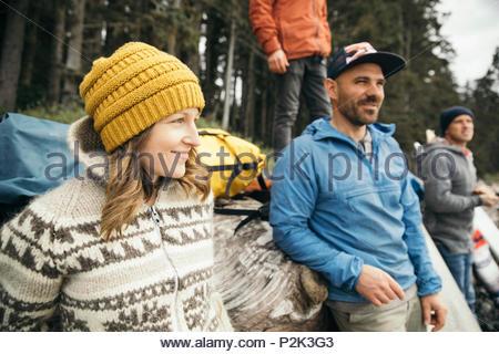 Freunde genießen Wochenende surfen Kurzurlaub - Stockfoto