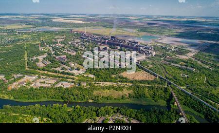 Antenne Panoramablick von der Industriestadt Krivoy Rog in der Ukraine. - Stockfoto