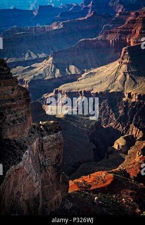 Sonnenuntergang am Grand Canyon Nationalpark in Arizona. - Stockfoto