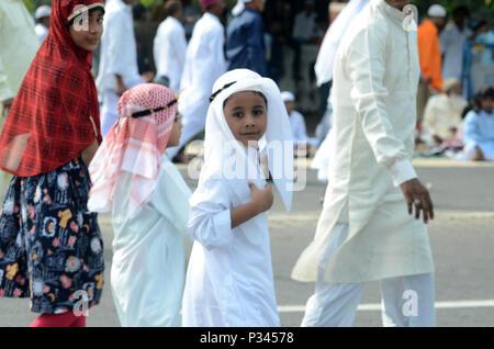 Kolkata, Indien. 16 Juni, 2018. Eid Feier in Kalkutta Red Road. Credit: Sandip Saha/Pacific Press/Alamy leben Nachrichten - Stockfoto