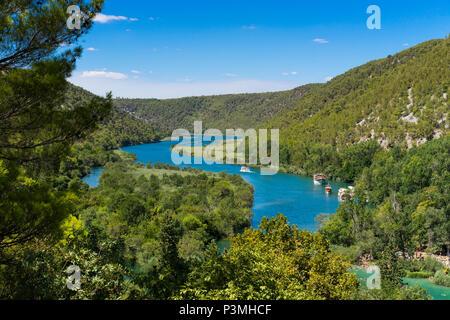 Nationalpark Krka Kroatien. Wunderschöne Natur und Landschaft Foto der Wasserfall, Fluss und See. Schön im Freien Bild auf warmen Sommertag. Ruhig, glücklich und - Stockfoto