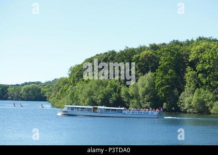 Ausflugsschiff, 5 Seen Tour, Dieksee, Bad Malente-Gremsmühlen, Malente, Schleswig-Holstein, Deutschland, Europa ich Ausflugsschiff, 5 Seen-Rundfahrt, Sterben - Stockfoto