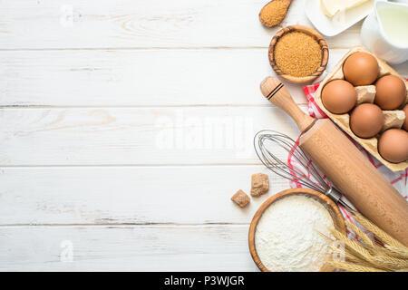 B ckerei hintergrund rahmen kochen zutaten ei zucker ber rosa hintergrund fr hling k che - L ei weich kochen ...