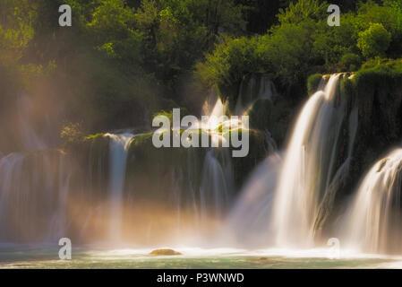 Wasserfall Skradinski Buk, Krka Nationalpark, Šibenik-Knin, Dalmatien, Kroatien - Stockfoto