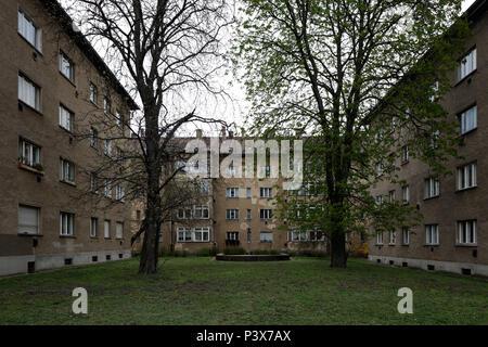 Berlin, Deutschland, Unsanierte das Entwicklung in der Grellstrasse in Berlin-Prenzlauer Berg - Stockfoto