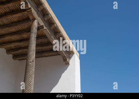 Alte Holzdecke in Buchara, Zentralasien - Stockfoto