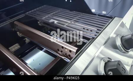 Brenner Für Gasgrill : Nahaufnahme von gas grill brenner flavorizer bars porcelanized