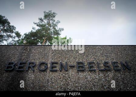 Haupteingang zur Gedenkstätte Bergen-Belsen gründen in Niedersachsen, Deutschland. - Stockfoto