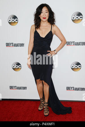 Sandra Oh. Prominente an der \'200 Grey\'s Anatomy\' Episode Party ...