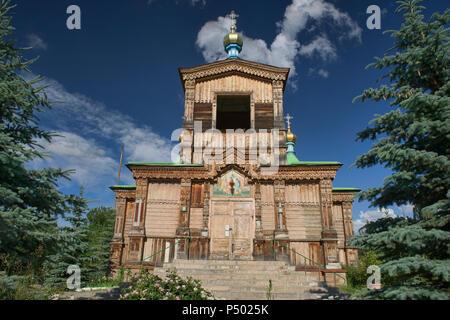 Die hölzernen Heiligen Dreifaltigkeit russisch-orthodoxe Kathedrale, Karakol, Kirgisistan - Stockfoto