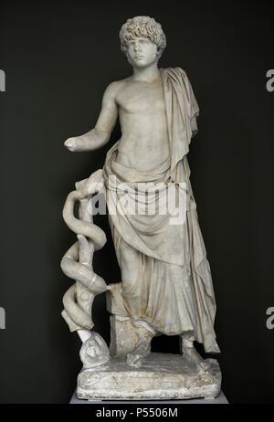 Römische Kunst. Statue eines jungen römischen dargestellt als Asklepion. Aus Kampanien, Italien. 2. Jahrhundert n. Chr. Ny Carlsberg Glyptotek. Kopenhagen, Dänemark. - Stockfoto
