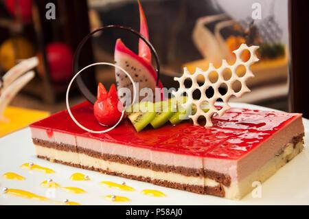 Erdbeer Mousse Cake - Stockfoto