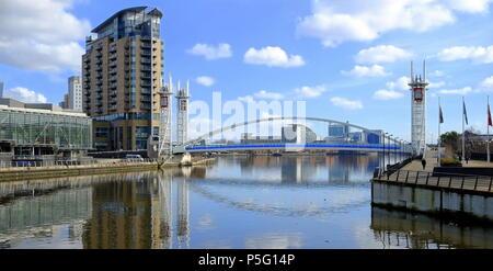 Millennium Hubbrücke Salford Salford. Großbritannien - Stockfoto