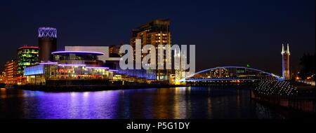 Verschiedene Bilder in der Nacht in der Gegend von Salford Salford Quays Manchester getroffen. - Stockfoto